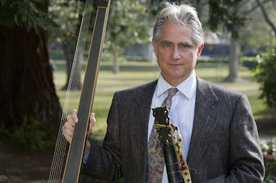 Accompanist on theorbo, baroque and classic guitars